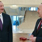 Ильхам Алиев принял главу МИД Турции