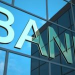Дотянем до Новруза: банкам не продают доллары в требуемом объеме, но запрещают говорить об этом вслух