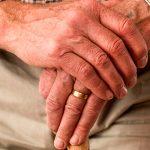 Лицам старше 65 лет в период карантина будут оказываться услуги дома