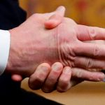 «Имея дело с Россией, пересчитывайте свои пальцы после рукопожатия»