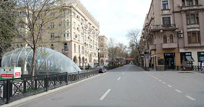 В крупных городах Азербайджана вступил в силу двухдневный запрет на выход из дома