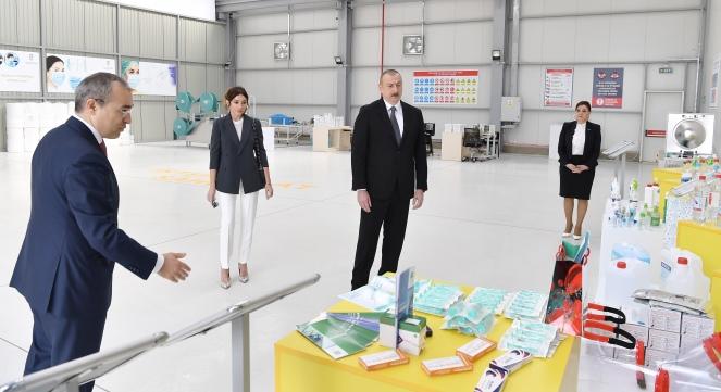 Президент принял участие в открытии предприятия по производству медмасок