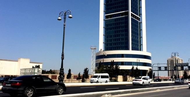 Госнефтефонд Азербайджана утроил продажу валюты в марте