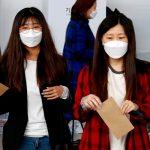 Всем жителям Гонконга раздадут многоразовые маски