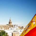 Испания назвала сроки начала приема иностранных туристов