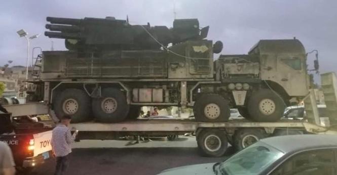 По улицам Триполи провезли захваченный российский «Панцирь-С1» — Видео