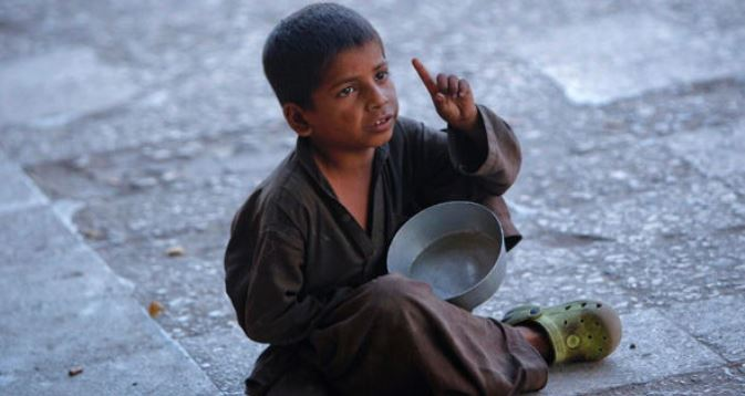 Кто и сколько зарабатывает в Азербайджане на «аренде» детей?