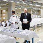 Ильхам Алиев и Мехрибан Алиева приняли участие в открытии фабрики по производству медицинских масок и защитных комбинезонов