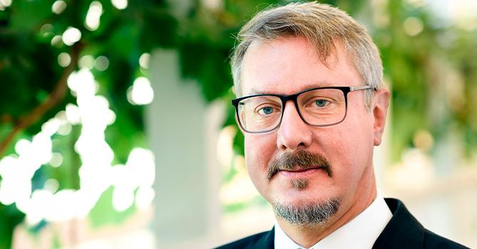 Карл Хартсел: «Евросоюз решительно поддерживает усилия Минской группы ОБСЕ»