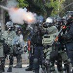 Полиция Гонконга применила перцовый газ для разгона протестующих