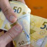 Средняя зарплата в Баку достигла 927 манатов