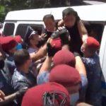 Полиция разгоняет акцию оппозиции в Армении