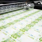 ЕС спасает свою экономику, включив «печатный станок», а Азербайджан ждет «чуда»
