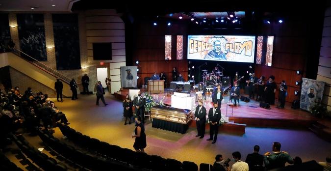 В Миннеаполисе началась церемония прощания с Флойдом