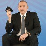 Ильхам Алиев призвал население пользоваться медицинскими масками