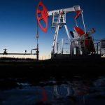 Цена нефти Brent впервые с марта поднялась выше 45 долларов за баррель