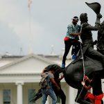 За попытку осквернения памятника в США предъявлены обвинения
