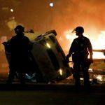 """Протестующие в США пытались сжечь историческую """"церковь президентов"""""""