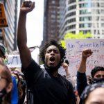 В Нью-Йорке прошел митинг против сноса памятника Рузвельту