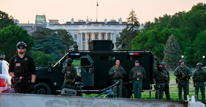 В Вашингтоне продлили комендантский час