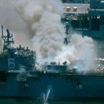 На военно-морской базе США в Сан-Диего загорелся десантный корабль