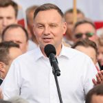 Дуда пообещал помочь Украине вернуть Крым
