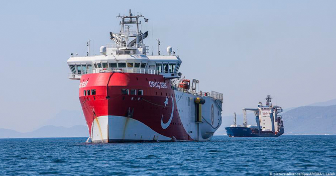 Турция продлила срок работ судна Oruç Reis в Средиземноморье