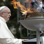 Папа Римский Франциск считает «этическим долгом» каждого привиться от COVID-19
