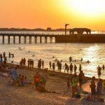 Обзор бакинских пляжей: кто и как «креативит» в период пандемии