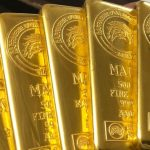 Ожидания новых ковидных ограничений подстегивают цены на золото