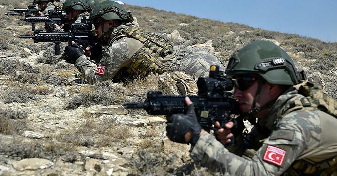В первый этап азербайджано-турецких тактических учений подключился спецназ