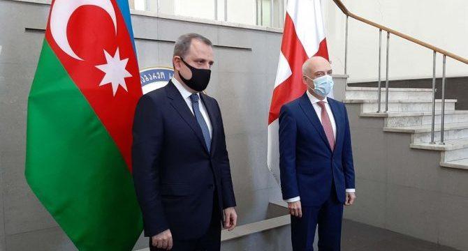В Тбилиси проходит встреча глав МИД Азербайджана и Грузии