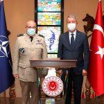 Министр нацобороны Турции встретился в Анкаре с председателем Военного комитета НАТО
