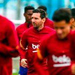 """Месси приступил к тренировкам в общей группе после решения остаться в """"Барселоне"""""""