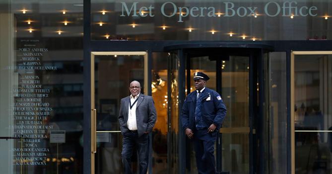 Из-за коронавируса Метрополитен-опера отменила весь сезон