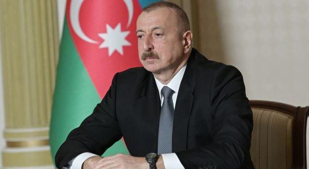Ильхам Алиев поздравил Эльдара Гулиева с 80-летним юбилеем и наградил орденом «Истиглал»