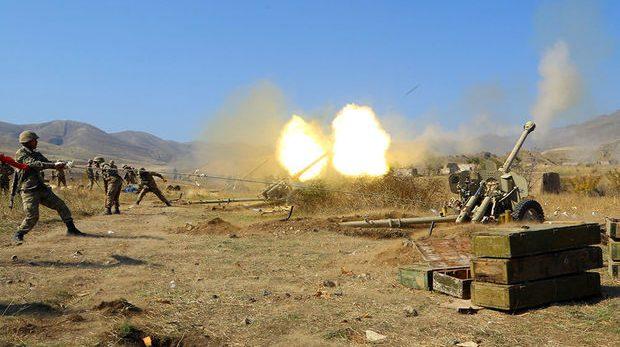 Наши артиллерийские подразделения наносят удары по армянам — ВИДЕО