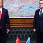 Джейхун Байрамов и Мевлют Чавушоглу обсудили последние процессы в Карабахе