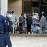 Во Франции продлят режим комендантского часа из-за COVID-19