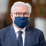 Президент Германии призвал богатые страны делиться вакцинами