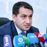 Хикмет Гаджиев прокомментировал использование армянской стороной военной формы Азербайджанской Армии