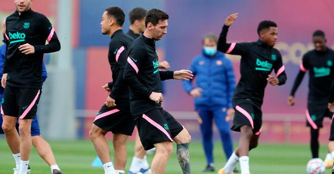 Руководство «Барселоны» потребовало от игроков пойти на снижение зарплат