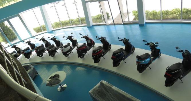 С ветерком по центру Баку: журналисты отправились в тур на скутерах