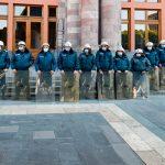 У здания парламента Армении оппозиция снова требует отставки Пашиняна