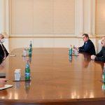 Президент Ильхам Алиев встретился с министром иностранных дел Турции Мевлютом Чавушоглу