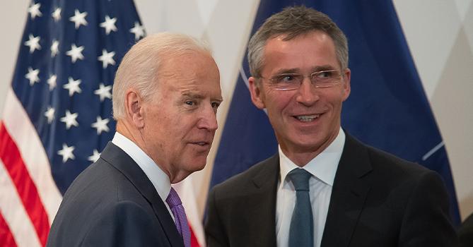 Столтенберг поздравил Байдена с избранием на пост президента США