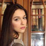 Поиск сокровищ и встречи во сне: Ширин Шафиева продолжает интриговать читателей
