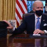 Администрация Байдена намерена раздать маски всем американцам