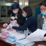 Партия Назарбаева побеждает на выборах в Казахстане