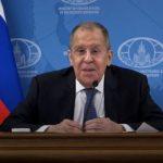 Трудности бега между струйками: Сергею Лаврову не позавидуешь